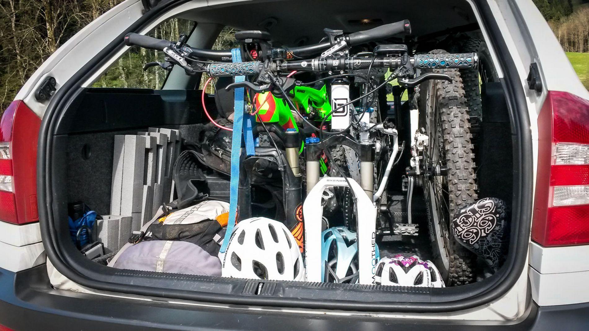 bikeinside innenraum fahrradtr ger fahrradtransport im auto fahrradtr ger innenraum innen. Black Bedroom Furniture Sets. Home Design Ideas