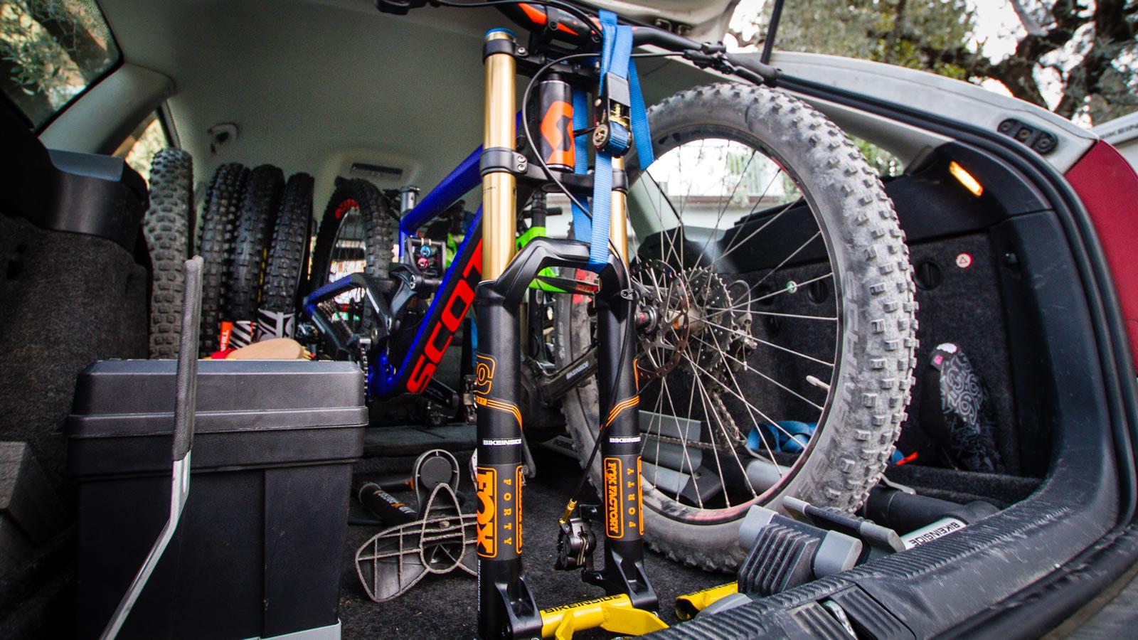 bikeinside system bikeinside bikeinside gabelaufnahme weiterlesen. Black Bedroom Furniture Sets. Home Design Ideas